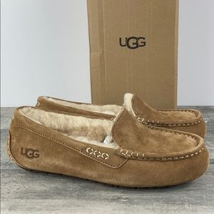 UGG Ansley Chestnut Slippers a Size 9